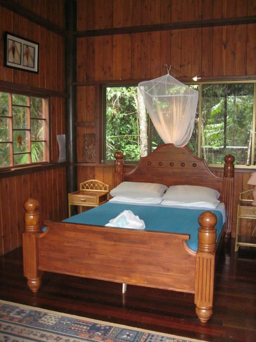 Bedroom - Golden Orchid Retreat cabin.