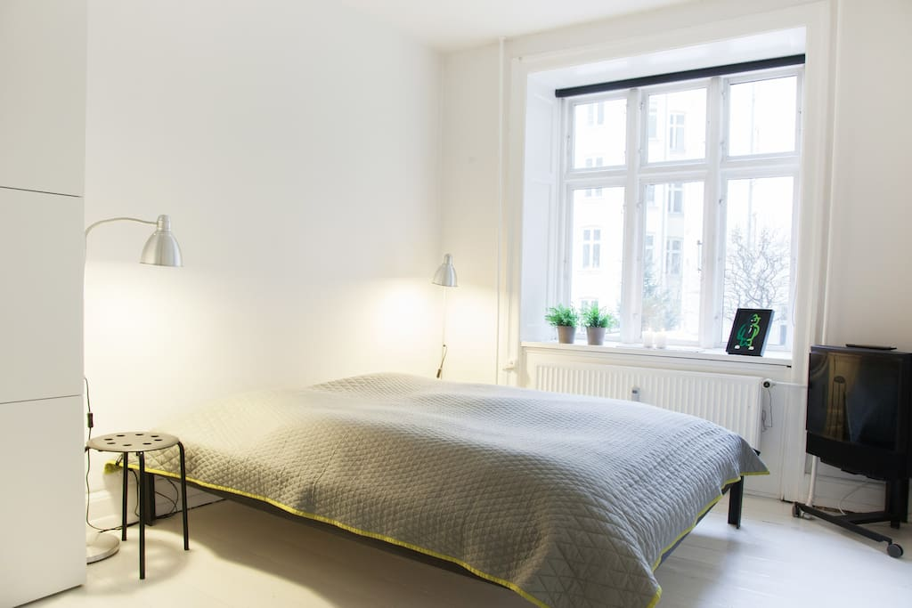 Room in hip part of Vesterbro WI-FI