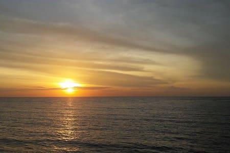 Oceanview Bungalow Maratua Island - Maratua Island - Бунгало