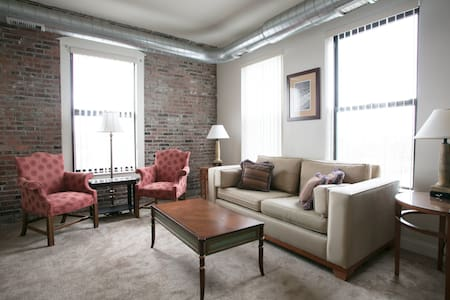 800 sqft 1 Bedroom apartment in downtown Lawrence - Lawrence - Daire