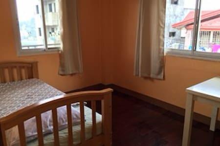 Room B-1 in Baguio Downtown - Bed & Breakfast