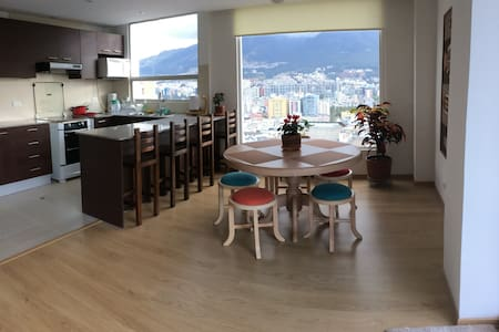 Comfortable, luminous apartment with awesome views - Quito - Apartamento