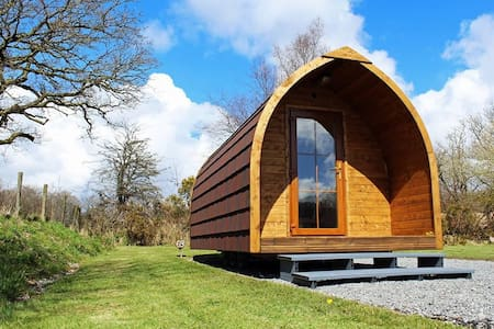 The Log Pod - Pontarddulais - Hut