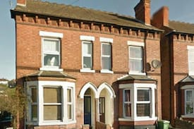 Picture of Lovely 3 storey home close to the city centre