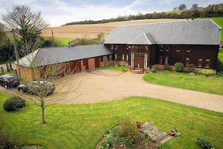 North Downs Barn - Bed & Breakfast