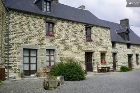 B&B   Close to  Le Mont St Michel - Pontorson