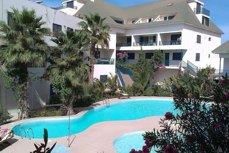 Spacious appartment beach & pool - Santa Maria