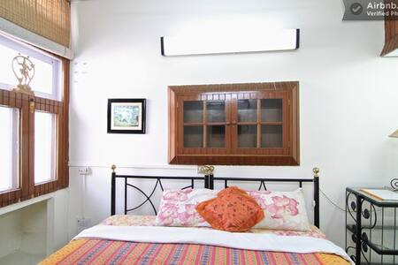 Bed & Breakfast Delhi - Free Wifi