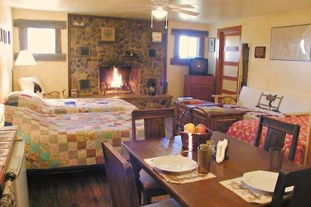 Rt 66 JX Ranch Bunkhouse Longhorn R - Tucumcari - Skáli
