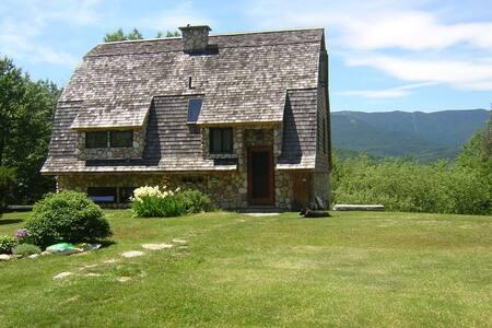 Cozy Stone & Shingle Mtn. Home