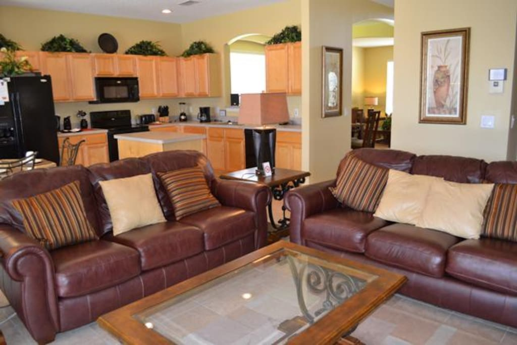 Family Room & fully equipped kitchen