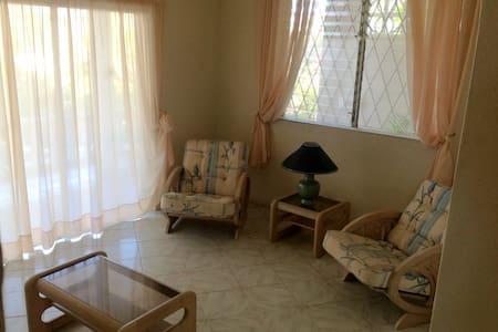 Seaford ,Three bedroom apartment - Leilighet