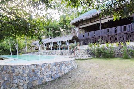 Mountain Farm Resthouse by a River - Casa