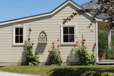 Charming  Glenorchy Cottage - Mökki