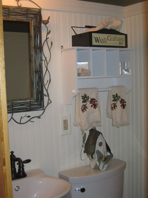 Bathroom also has a shower (towels, paper products & linens supplied)