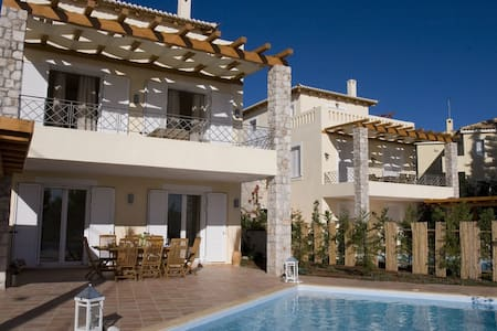 2 Luxurious villas in Porto Heli - Willa