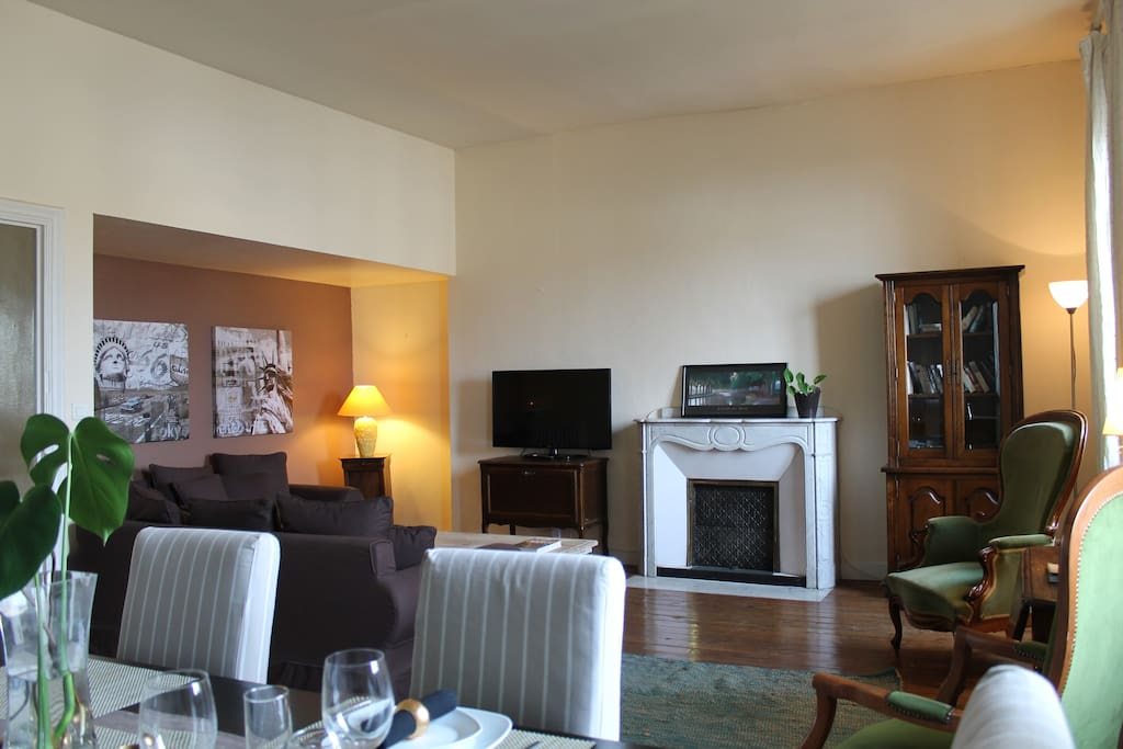 Welcome to Boulevard 66 Holiday apartment apartment in Carcassonne .....