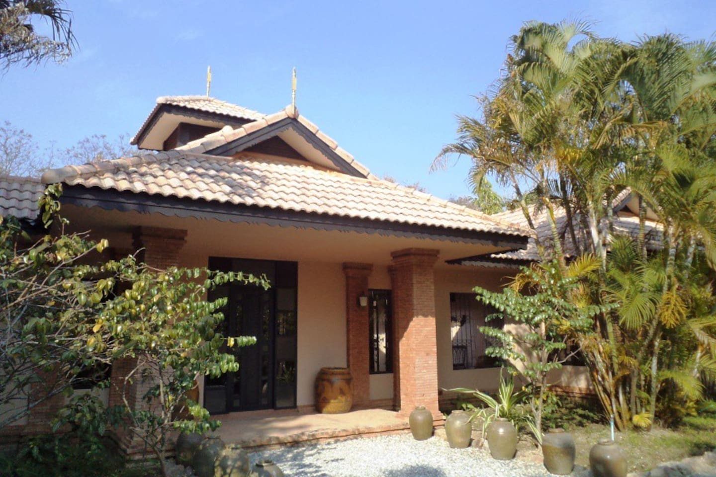 Kinkala Villa (shared Pool)
