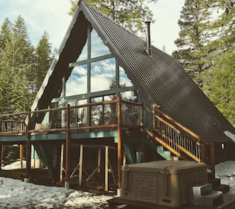 The Green A Frame - Skiing, Hiking, Fishing Cabin - Packwood