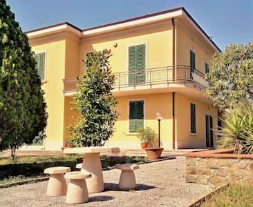 Residenza Lassi - Villa