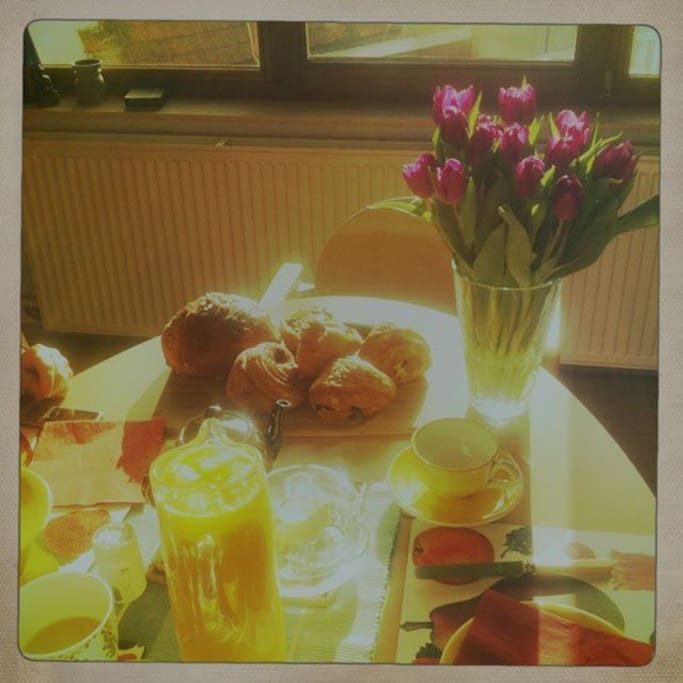 Delicious breakfast in the living/dining room!