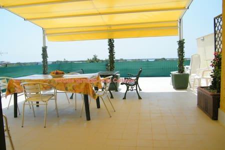 Panoramic apartment in GiardiniNaxo - Chianchitta-pallio - Wohnung