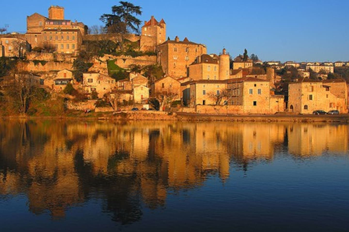 Puy L'Eveque, vibrant and enchanting