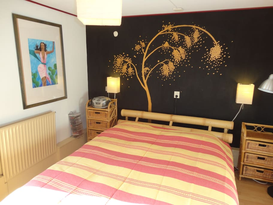 Bedroom with bamboo bed, very comfortable!