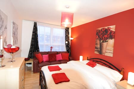 Dbl Room-Egware Rd, Oxford St, IB4