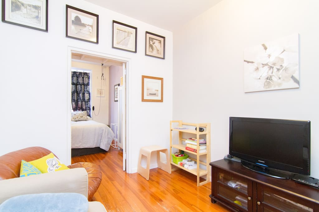 Real 1 BR in Trendy Two Bridges/LES