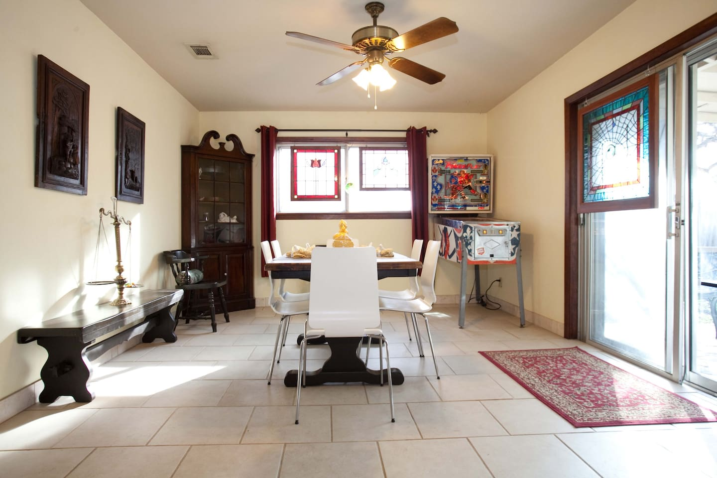Comfortable home close to Downtown