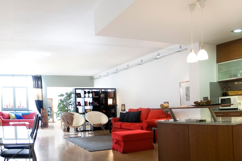 QUIET LOFT IN THE MIDDLE OF BCN