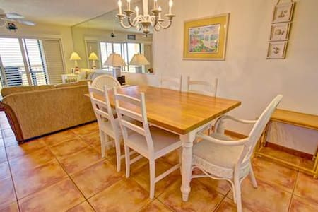 Sea Haven Resort - 113, Ocean Front, 2BR/2.5BTH, Pool, Beach - Butler Beach - Condominium