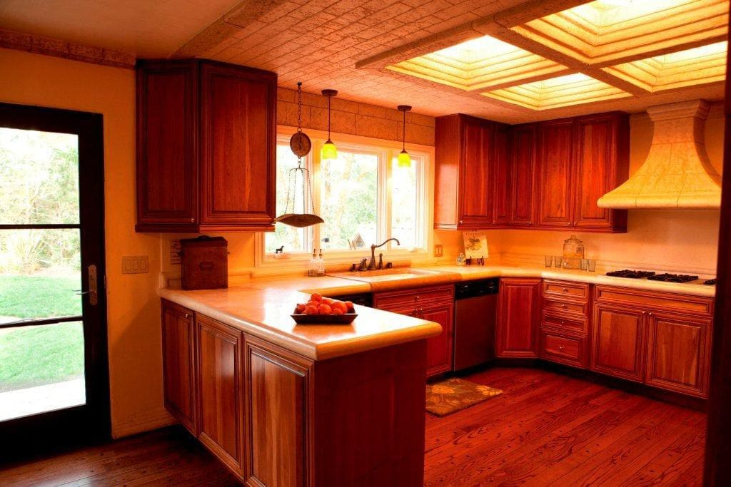 Well equipped kitchen next to breakfast nook
