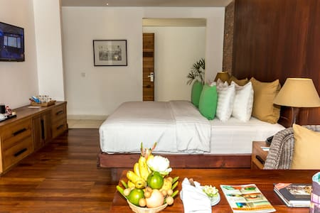 Modern wooden retreat in Charming City - Lakás