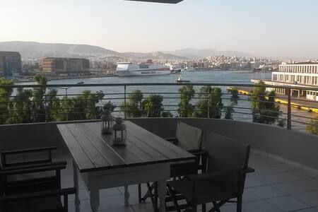 Apartment with unobstructed view of cruise port - Pireas