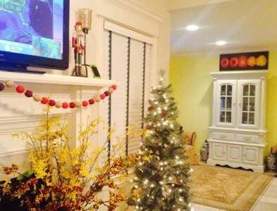 Fully Furnished Entire Home 4bdrms!