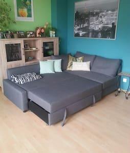 Gemütliche Couch zu vermieten. - Otros