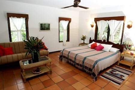 Bungalow Cottage at duPlooy's - San Ignacio - Bungalow