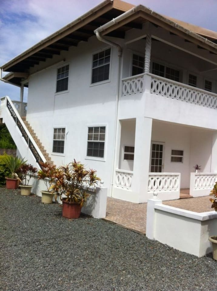 4 open spaced apartments accommodates 3 and 4 persons sharing