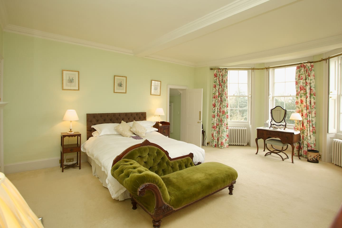 Gainsborough Room with en suite
