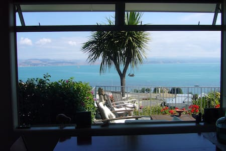 Sunny sea view hillside villa