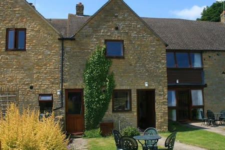 Evenlode Cottage, Charlbury. - Charlbury - House
