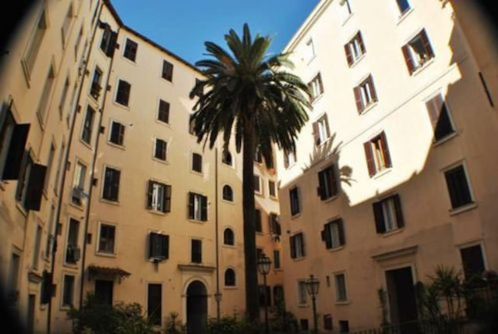 Typical spacious Trastevere Jubilee