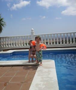 White Hilltop Village Townhouse - Medina-Sidonia - House