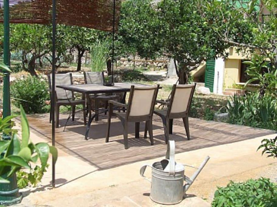 Casa con piscina jardin y barbacoa houses for rent in soller for Casas con jardin y piscina