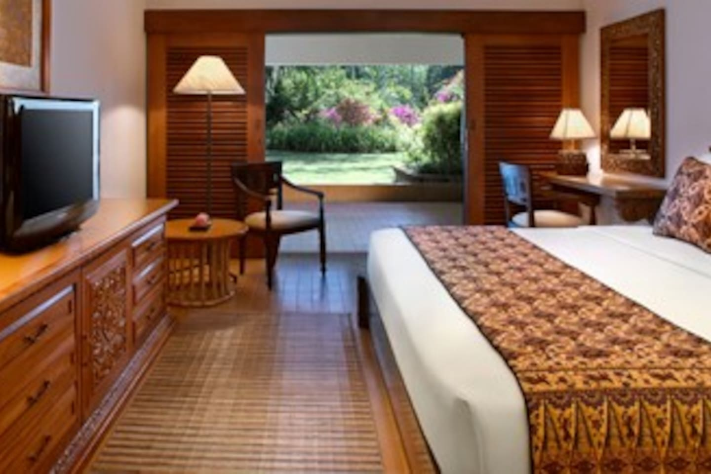King Room with Balcony view