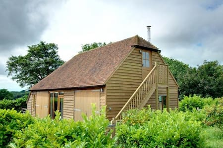 Converted Barn in Beckley, near Rye - Hus