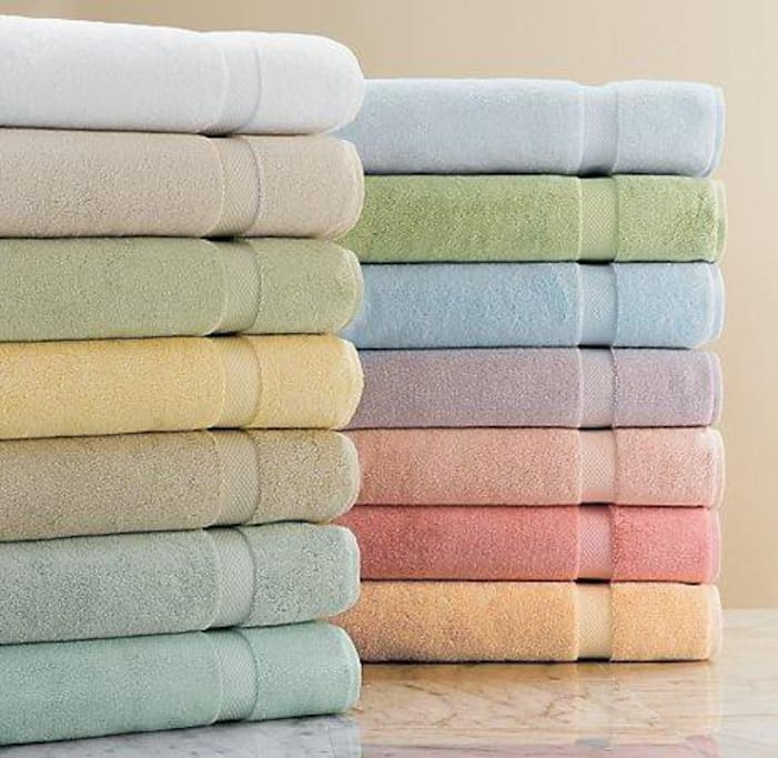ALL guests ALWAYS get NICE CLEAN TOWELS for their stay, free and included
