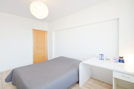 Tidy room in 1 min from subway - Mosca - Appartamento